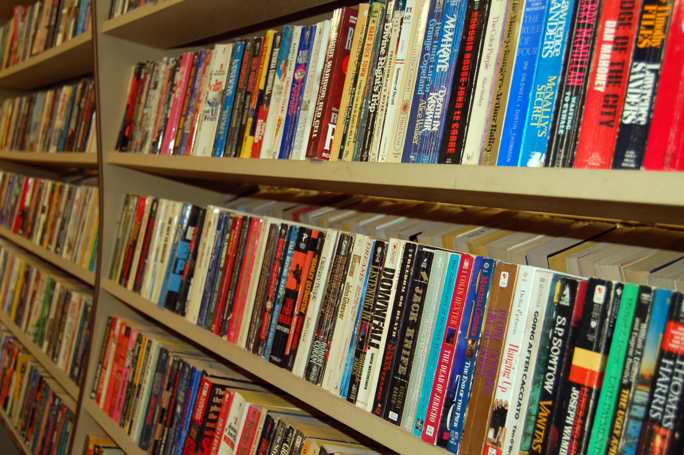 Book Sale at Mar Vista Library Sat. December 5th